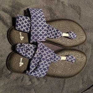 Sanuk Shoes - 2 pairs Sanuk yoga mat sandals size 7
